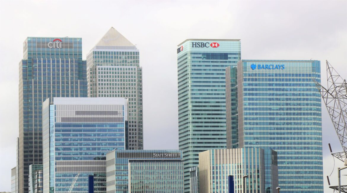 Leading finance firms join to Mark Carney gathering on low-carbon summit.
